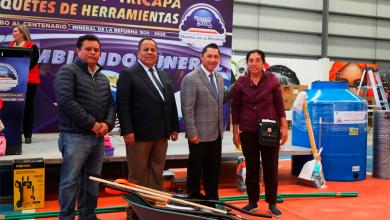 Photo of Entrega Raúl Camacho calentadores solares,tinacos y paquetes de herramientas a bajo costo a 490 familias