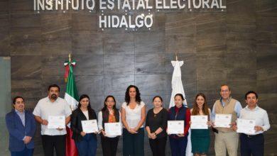 Photo of Concluyen Consejera, Consejeros Electorales y personal del IEEH, diplomado organizado por la CNDH