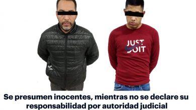 Photo of Aseguran policias a dos individuos  tras presunto asalto a pizzería en Pachuca