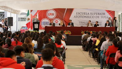 Photo of Firma de convenio entre UAEH y Caleras Beltrán beneficia a 62 estudiantes con becas