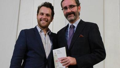 Photo of Presenta ex embajador de Inglaterra obra literaria ante alumnos del IA