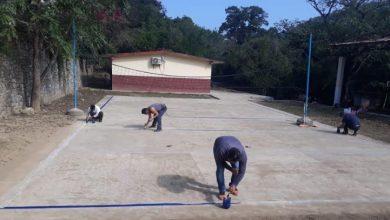 Photo of Continúa mantenimiento de espacios deportivos en Xochiatipan