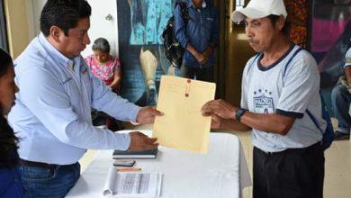 Photo of En Xochiatipan se realizó la entrega de actas corregidas