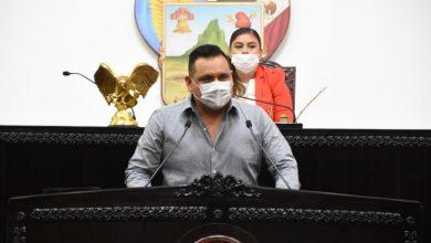 Photo of Diputado donará sueldo para equipo médico y alimentos para afectados por Covid-19
