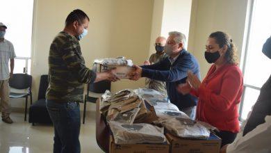 Photo of Entregan paquetes de uniformes a trabajadores de CAAMT Tulancingo
