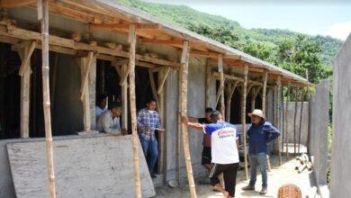 Photo of Obras públicas de Xochiatipan supervisa construcción de comedor