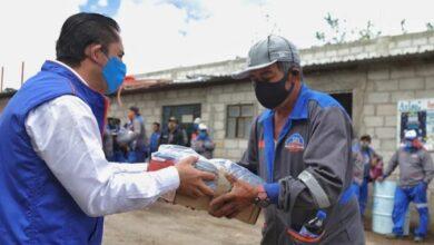 Photo of Entrega alcalde RCB, uniformes a trabajadores de servicios municipales