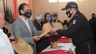 Photo of Alcalde de Tulancingo Fernando Pérez celebró a Bomberos en su día