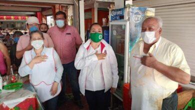 Photo of Anel Torres refrenda su compromiso con comerciantes del mercado Morelos