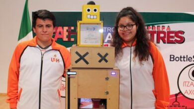 Photo of Alumnos de UAEH reciben trofeo de Robofest Latinoamérica