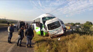 Photo of Chocan autobús y camioneta en carretera de Hidalgo, reportan varios muertos