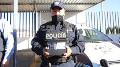 Photo of Concejo Municipal Interino de Mineral de la Reforma entrega cámaras de solapa a policías municipales