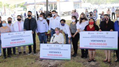 Photo of Reciben familiares de migrantes recursos del Operativo Escudo, Migrante Seguro