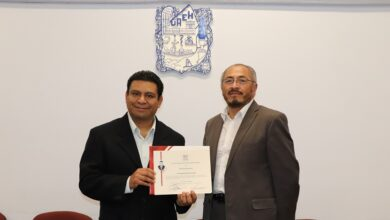 Photo of Obtiene docente de la UAEH mención honorífica por tesis de doctorado