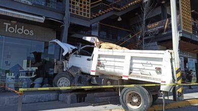 Photo of Camión se queda sin frenos y se impacta contra plaza comercial en Pachuca